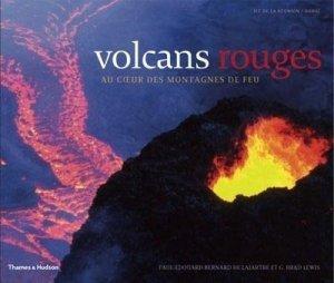 volcans rouges au coeur des montagnes de feu 206le de la